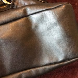 Gucci Bags - Large Gucci Leather Shoulder Bag